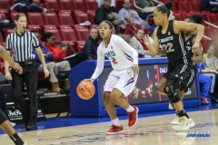 UNIVERSITY PARK, TX - JANUARY 03: Southern Methodist Mustangs guard Ariana Whitfield (2) brings the ball up court during the women's game between SMU and UCF on January 3, 2018 at Moody Coliseum in Dallas, TX. (Photo by George Walker/Icon Sportswire)
