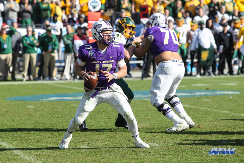 FRISCO, TX - JANUARY 06: James Madison Dukes quarterback Bryan Schor (17) drops back to pass during the FCS National Championship game between North Dakota State and James Madison on January 6, 2018 at Toyota Stadium in Frisco, TX. (Photo by George Walker/Icon Sportswire)
