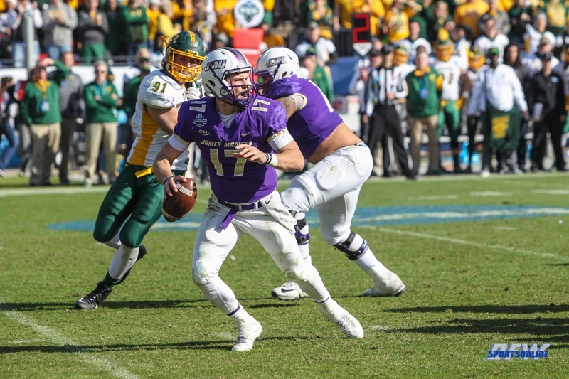 FRISCO, TX - JANUARY 06: James Madison Dukes quarterback Bryan Schor (17) scrambles during the FCS National Championship game between North Dakota State and James Madison on January 6, 2018 at Toyota Stadium in Frisco, TX. (Photo by George Walker/Icon Sportswire)