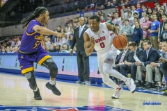 UNIVERSITY PARK, TX - JANUARY 28: Southern Methodist Mustangs guard Jahmal McMurray (0) drives to the basket against East Carolina Pirates guard Shawn Williams (55) during the game between SMU and East Carolina on January 28, 2018 at Moody Coliseum in Dallas, TX. (Photo by George Walker/Icon Sportswire)
