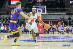 UNIVERSITY PARK, TX - JANUARY 28: Southern Methodist Mustangs guard Ben Emelogu II (21) drives to the basket during the game between SMU and East Carolina on January 28, 2018 at Moody Coliseum in Dallas, TX. (Photo by George Walker/Icon Sportswire)