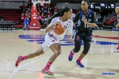 UNIVERSITY PARK, TX - FEBRUARY 07: Southern Methodist Mustangs guard Kiara Perry (0) drives to the basket during the game between SMU and Tulsa on February 7, 2018, at Moody Coliseum in Dallas, TX. (Photo by George Walker/Icon Sportswire)