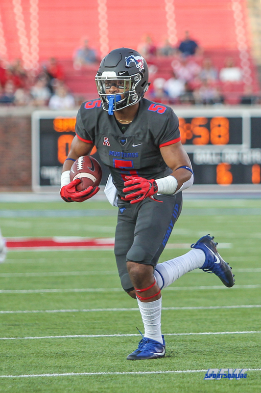 DALLAS, TX - SEPTEMBER 23: Southern Methodist Mustangs running back Xavier Jones (5) runs during the game between SMU and Arkansas State on September 23, 2017, at Gerald J. Ford Stadium in Dallas, TX. (Photo by George Walker/DFWsportsonline)