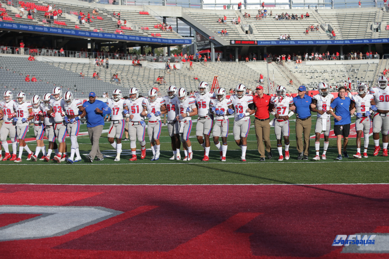 HOUSTON, CA - OCTOBER 07: SMU players lock arms before the game between SMU and Houston on October 7, 2017, at TDECU Stadium in Houston, TX. (Photo by George Walker/DFWsportsonline)