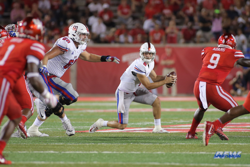 HOUSTON, CA - OCTOBER 07: Southern Methodist Mustangs quarterback Ben Hicks (8) during the game between SMU and Houston on October 7, 2017, at TDECU Stadium in Houston, TX. (Photo by George Walker/DFWsportsonline)