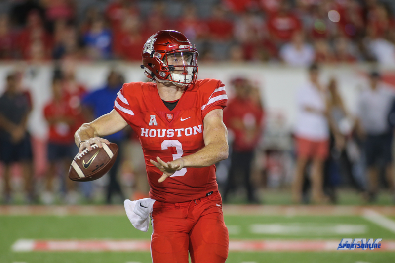 HOUSTON, CA - OCTOBER 07: Houston Cougars quarterback Kyle Postma (3) passes during the game between SMU and Houston on October 7, 2017, at TDECU Stadium in Houston, TX. (Photo by George Walker/Icon Sportswire)