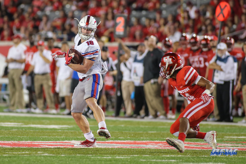 HOUSTON, CA - OCTOBER 07: Southern Methodist Mustangs wide receiver Trey Quinn (18) makes a catch during the game between SMU and Houston on October 7, 2017, at TDECU Stadium in Houston, TX. (Photo by George Walker/Icon Sportswire)