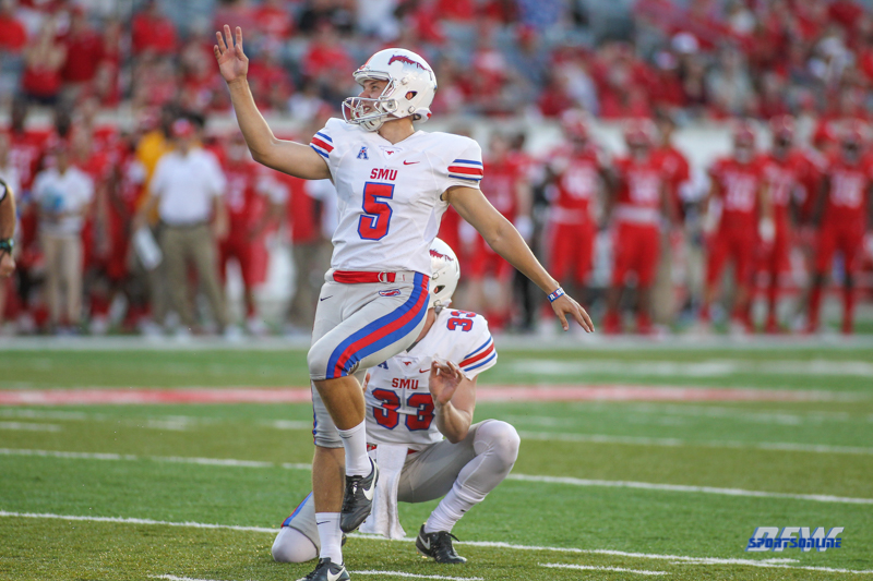 HOUSTON, CA - OCTOBER 07: Southern Methodist Mustangs place kicker Josh Williams (5) kicks during the game between SMU and Houston on October 7, 2017, at TDECU Stadium in Houston, TX. (Photo by George Walker/Icon Sportswire)