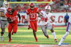 HOUSTON, CA - OCTOBER 07: Southern Methodist Mustangs running back Xavier Jones (5) breaks through the line during the game between SMU and Houston on October 7, 2017, at TDECU Stadium in Houston, TX. (Photo by George Walker/Icon Sportswire)