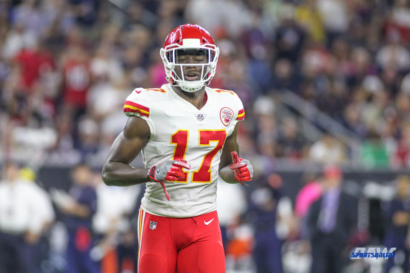 HOUSTON, TX - OCTOBER 08: Kansas City Chiefs wide receiver Chris Conley (17) during the game between the Houston Texans and Kansas City Chiefs on October 8, 2017, at NRG Stadium in Houston, TX. (Photo by George Walker/DFWsportsonline)