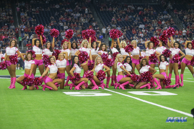 HOUSTON, TX - OCTOBER 08: Houston Texans cheerleaders during the game between the Houston Texans and Kansas City Chiefs on October 8, 2017, at NRG Stadium in Houston, TX. (Photo by George Walker/DFWsportsonline)