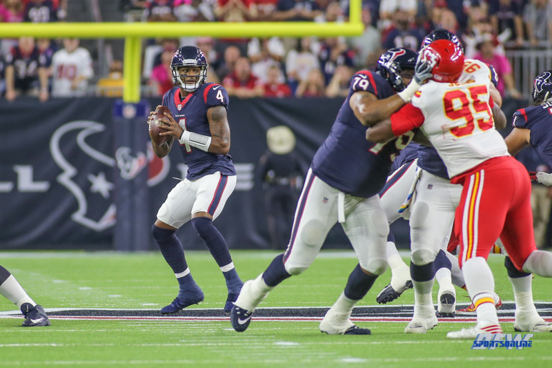 HOUSTON, TX - OCTOBER 08: Houston Texans quarterback Deshaun Watson (4) drops back to pass during the game between the Houston Texans and Kansas City Chiefs on October 8, 2017, at NRG Stadium in Houston, TX. (Photo by George Walker/DFWsportsonline)