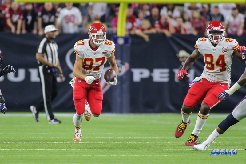 HOUSTON, TX - OCTOBER 08: Kansas City Chiefs tight end Travis Kelce (87) during the game between the Houston Texans and Kansas City Chiefs on October 8, 2017, at NRG Stadium in Houston, TX. (Photo by George Walker/DFWsportsonline)