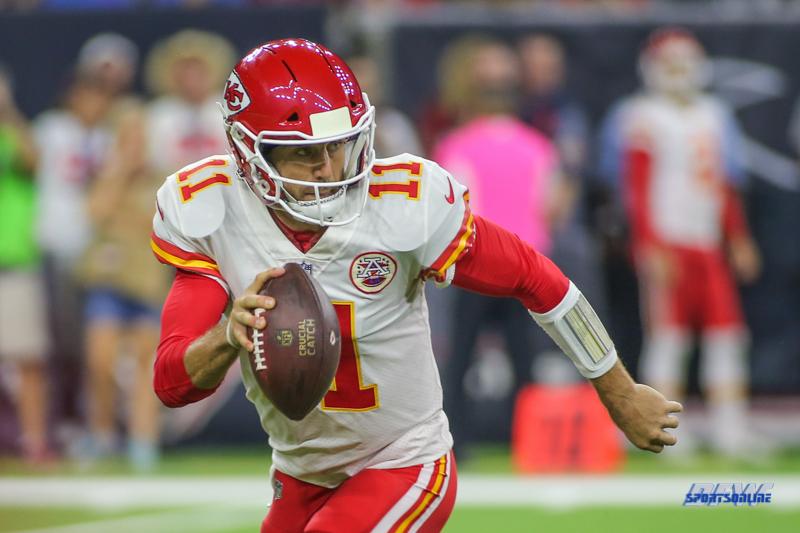 HOUSTON, TX - OCTOBER 08: Kansas City Chiefs quarterback Alex Smith (11) during the game between the Houston Texans and Kansas City Chiefs on October 8, 2017, at NRG Stadium in Houston, TX. (Photo by George Walker/DFWsportsonline)