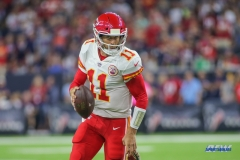 HOUSTON, TX - OCTOBER 08: Kansas City Chiefs quarterback Alex Smith (11) during the game between the Houston Texans and Kansas City Chiefs on October 8, 2017, at NRG Stadium in Houston, TX. (Photo by George Walker/DFWsportsonline)