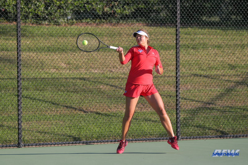 DALLAS, TX - OCTOBER 13: Anzhelika Shapovalova of SMU during the ITA Regional tournament on October 13, 2017, at the Bayard H. Friedman Tennis Center in Fort Worth, TX. (Photo by George Walker/DFWsportsonline)