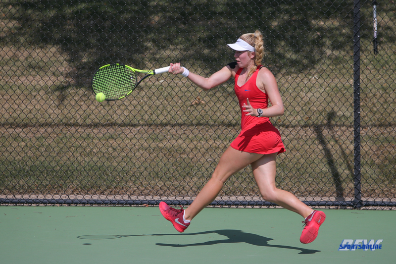 DALLAS, TX - OCTOBER 13: Nicole Petchey of SMU during the ITA Regional tournament on October 13, 2017, at the Bayard H. Friedman Tennis Center in Fort Worth, TX. (Photo by George Walker/DFWsportsonline)