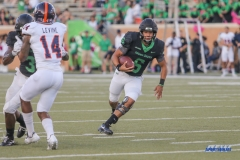 DENTON, TX - OCTOBER 14: North Texas Mean Green quarterback Mason Fine (6) during the game between the North Texas Mean Green and UTSA Roadrunners on October 14, 2017, at Apogee Stadium in Denton, Texas. (Photo by George Walker/DFWsportsonline)