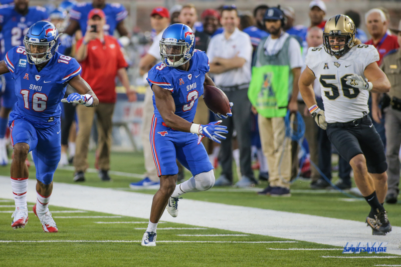 DALLAS, TX - NOVEMBER 04: Southern Methodist Mustangs wide receiver James Proche (3) runs to the end zone for a touchdown during the game between SMU and UCF on November 4, 2017, at Gerald J. Ford Stadium in Dallas, TX. (Photo by George Walker/Icon Sportswire)