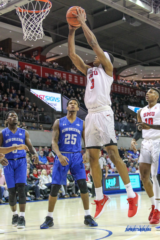 DALLAS, TX - DECEMBER 13: Southern Methodist Mustangs guard William Douglas (3) goes to the basket during the men's basketball game between SMU and New Orleans on December 13, 2017, at Moody Coliseum, in Dallas, TX. (Photo by George Walker/DFWsportsonline)