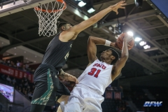 UNIVERSITY PARK, TX - DECEMBER 19: Southern Methodist Mustangs guard Jimmy Whitt (31) goes to the basket during the game between SMU and Cal Poly on December 19, 2017, at Moody Coliseum in Dallas, TX. (Photo by George Walker/Icon Sportswire)