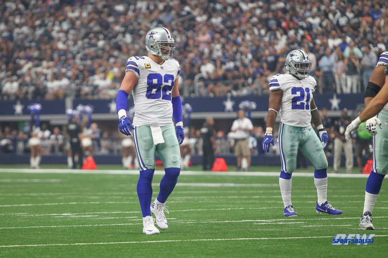 ARLINGTON, TX - OCTOBER 01: Dallas Cowboys tight end Jason Witten (82) during the game between the Dallas Cowboys and the Los Angeles Rams on October 1, 2017 at AT&T Stadium in Arlington, TX. (Photo by George Walker/Icon Sportswire)