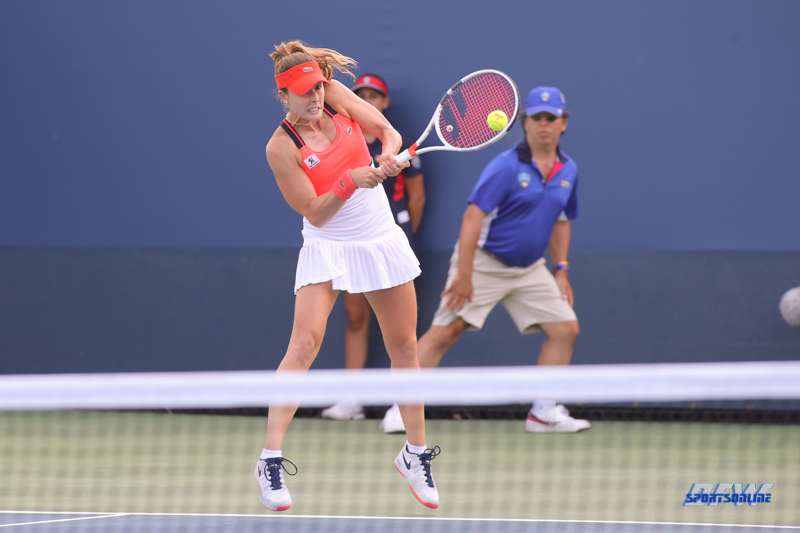 CINCINNATI, OH - Alize' Cornet (FRA) during the Western & Southern Open at the Lindner Family Tennis Center in Mason, Ohio on August 16, 2017, (Photo by George Walker/DFWsportsonline
