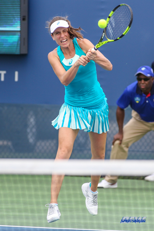 CINCINNATI, OH - AUGUST 14: Johanna Konta (GBR) hits a backhand during the Western & Southern Open at the Lindner Family Tennis Center in Mason, Ohio on August 14, 2017. (Photo by George Walker/Icon Sportswire)