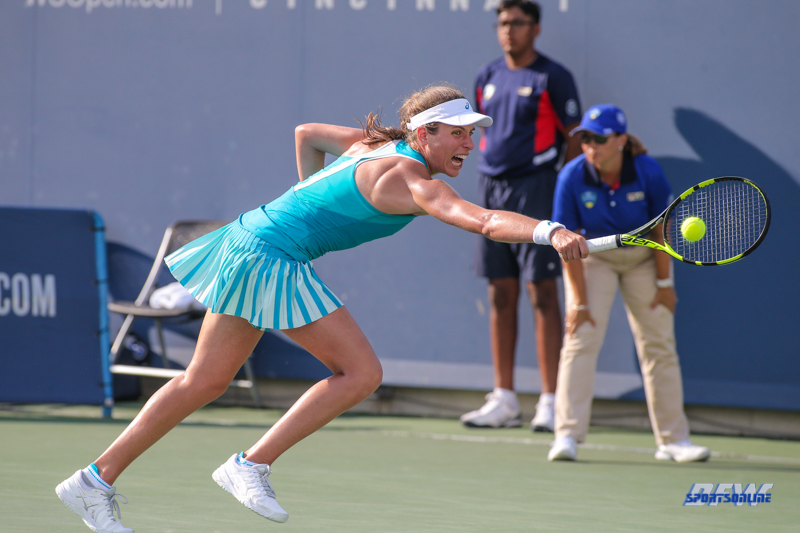 CINCINNATI, OH - AUGUST 15: Johanna Konta (GBR) stretches to hit a backhand during the Western & Southern Open at the Lindner Family Tennis Center in Mason, Ohio on August 15, 2017. (Photo by George Walker/Icon Sportswire)