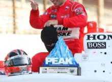 Helio Castroneves wins the PEAK Performance Pole Award presented by Autozone. Photo by Jim Haines, Indyracing.com