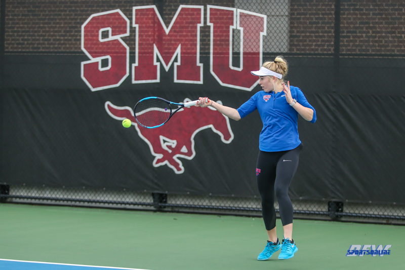 DALLAS, TX - JANUARY 12: Nicole Petchey during the SMU Metroplex Mania on January 12, 2019, at the SMU Tennis Complex, Turpin Stadium & Brookshire Family Pavilion in Dallas, TX. (Photo by George Walker/DFWsportsonline)