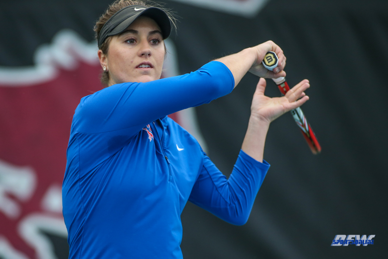 DALLAS, TX - JANUARY 12: Karina Traxler during the SMU Metroplex Mania on January 12, 2019, at the SMU Tennis Complex, Turpin Stadium & Brookshire Family Pavilion in Dallas, TX. (Photo by George Walker/DFWsportsonline)