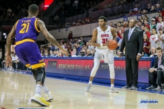 UNIVERSITY PARK, TX - JANUARY 28: Southern Methodist Mustangs guard Jimmy Whitt (31) looks to pass the ball during the game between SMU and East Carolina on January 28, 2018 at Moody Coliseum in Dallas, TX. (Photo by George Walker/Icon Sportswire)