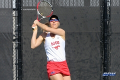 DALLAS, TX - FEBRUARY 4: Karina Traxler hits a backhand during the SMU women's tennis match vs Iowa on February 4, 2018, at the SMU Tennis Complex, Turpin Stadium & Brookshire Family Pavilion in Dallas, TX. (Photo by George Walker/DFWsportsonline)