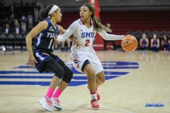 UNIVERSITY PARK, TX - FEBRUARY 07: Southern Methodist Mustangs guard Ariana Whitfield (2) fights for position during the game between SMU and Tulsa on February 7, 2018, at Moody Coliseum in Dallas, TX. (Photo by George Walker/Icon Sportswire)