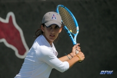 DALLAS, TX - APRIL 18: Tiffany Hollebeck during the SMU women's tennis match vs Temple on April 18, 2018, at the SMU Tennis Complex, Turpin Stadium & Brookshire Family Pavilion in Dallas, TX. (Photo by George Walker/DFWsportsonline)