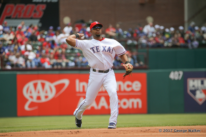 DGD17043005_Angels_at_Rangers