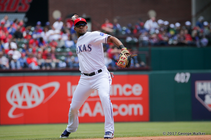 DGD17043044_Angels_at_Rangers