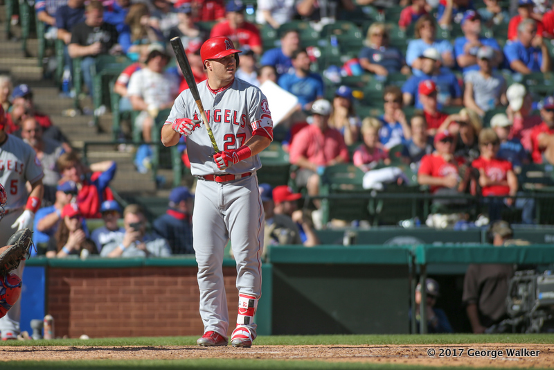 DGD17043064_Angels_at_Rangers