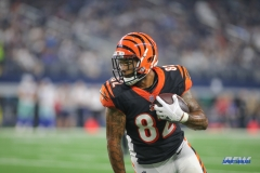 ARLINGTON, TX - AUGUST 18: Cincinnati Bengals fullback Cethan Carter (82) runs after a catch during the preseason game between the Dallas Cowboys and Cincinnati Bengals on August 18, 2018 at AT&T Stadium in Arlington, TX. (Photo by George Walker/Icon Sportswire)