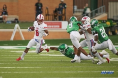 DENTON, TX - SEPTEMBER 01: Southern Methodist Mustangs running back Braeden West (6) runs around the edge during the game between North Texas and SMU on September 1, 2018 at Apogee Stadium in Denton, TX. (Photo by George Walker/Icon Sportswire)