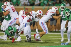 DENTON, TX - SEPTEMBER 01: Southern Methodist Mustangs running back Braeden West (6) breaks through the line during the game between North Texas and SMU on September 1, 2018 at Apogee Stadium in Denton, TX. (Photo by George Walker/Icon Sportswire)