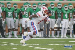 DENTON, TX - SEPTEMBER 01: Southern Methodist Mustangs running back Ke'Mon Freeman (2) returns a kick during the game between North Texas and SMU on September 1, 2018 at Apogee Stadium in Denton, TX. (Photo by George Walker/Icon Sportswire)