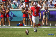 DALLAS, TX - SEPTEMBER 16: Southern Methodist Mustangs kicker Josh Williams (5) during the game between the SMU Mustangs and TCU Horned Frogs on September 16, 2017, at Amon G. Carter Stadium in Fort Worth, Texas.  (Photo by George Walker/DFWsportsonline)