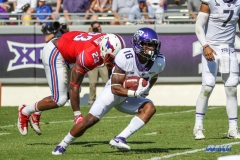 DALLAS, TX - SEPTEMBER 16: TCU Horned Frogs running back Kenedy Snell (16) during the game between the SMU Mustangs and TCU Horned Frogs on September 16, 2017, at Amon G. Carter Stadium in Fort Worth, Texas.  (Photo by George Walker/DFWsportsonline)