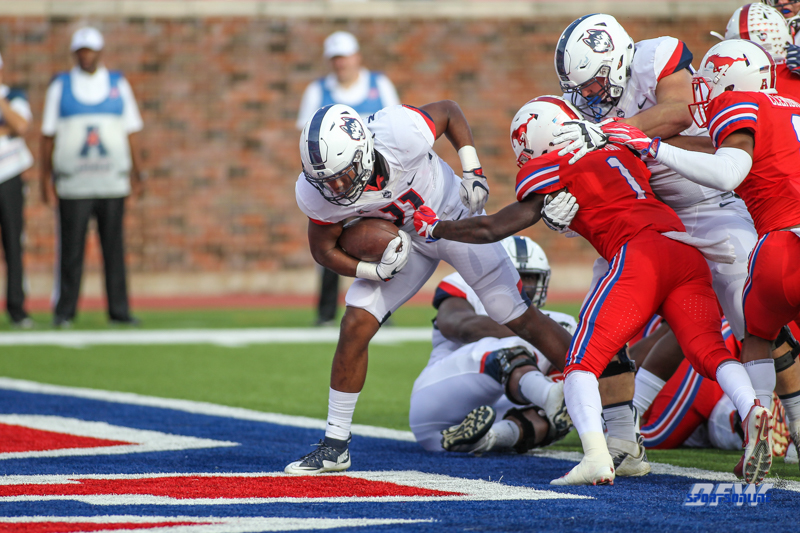 DALLAS, TX - SEPTEMBER 30: Connecticut Huskies running back Nate Hopkins (11) scores a touchdown during the game between SMU and UConn on September 30, 2017, at Gerald J. Ford Stadium in Dallas, TX. (Photo by George Walker/DFWsportsonline)