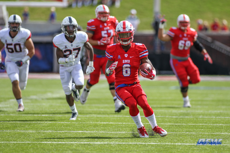 DALLAS, TX - SEPTEMBER 30: Southern Methodist Mustangs running back Braeden West (6) runs up the field during the game between SMU and UConn on September 30, 2017, at Gerald J. Ford Stadium in Dallas, TX. (Photo by George Walker/Icon Sportswire)