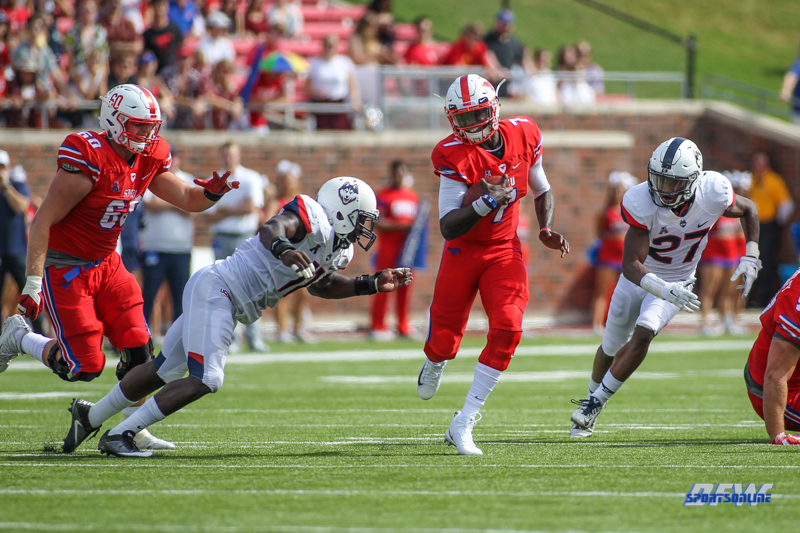 DALLAS, TX - SEPTEMBER 30: Southern Methodist Mustangs quarterback D.J. Gillins (7) scrambles during the game between SMU and UConn on September 30, 2017, at Gerald J. Ford Stadium in Dallas, TX. (Photo by George Walker/Icon Sportswire)