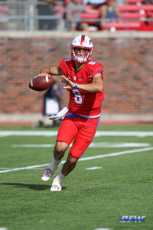 DALLAS, TX - SEPTEMBER 30: Southern Methodist Mustangs quarterback Ben Hicks (8) throws a pass during the game between SMU and UConn on September 30, 2017, at Gerald J. Ford Stadium in Dallas, TX. (Photo by George Walker/Icon Sportswire)
