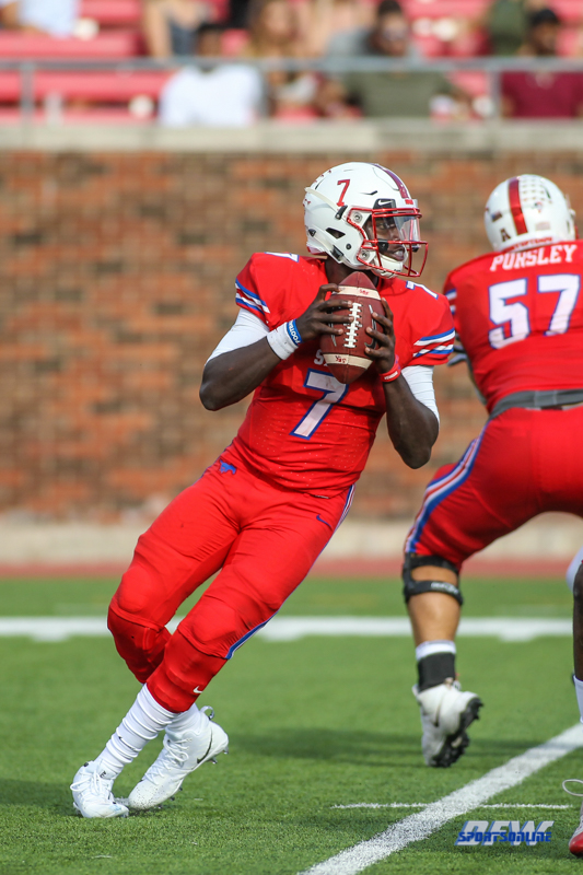 DALLAS, TX - SEPTEMBER 30: Southern Methodist Mustangs quarterback D.J. Gillins (7) drops back to pass during the game between SMU and UConn on September 30, 2017, at Gerald J. Ford Stadium in Dallas, TX. (Photo by George Walker/Icon Sportswire)